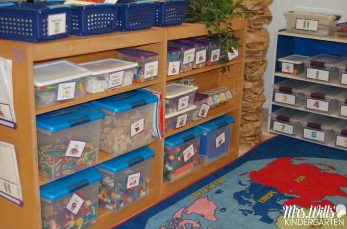 Math Work Stations Book Study Organization. Find tips to organize your math work stations plus a free download.