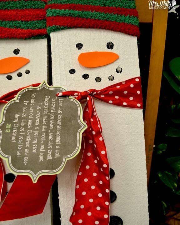 Kindergarten Christmas Gifts ... such a fun and treasured parent gift for kindergarten. This craft has been a class favorite! Great for preschool too! Free parent poem is included!