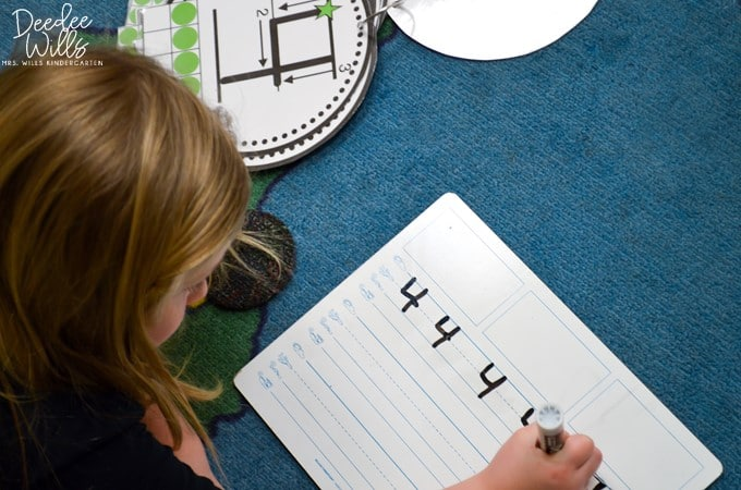 Early finisher activities for kindergarten and first grade. Paperless games and activities to keep students learning after center activities are complete or during extra time throughout the day!