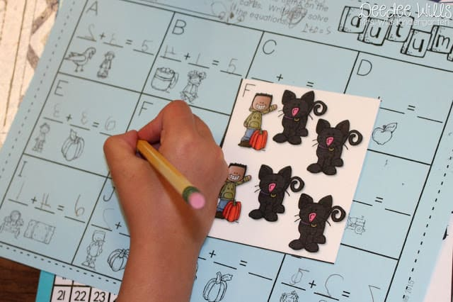 Printable Kindergarten Math  Literacy Stations: Looking for some ideas for activities for your students? These centers are perfect for November.  Rhyming, counting, writing, and reading tasks that kids will love!