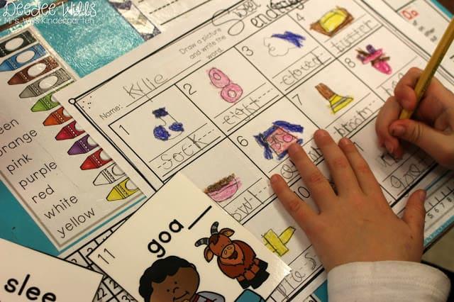 Independent Station Work in Kindergarten 1