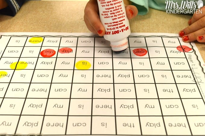 Sound Sorting Activities for little learners. Wondering how to include fun sound and letter sorting activities into you kindergarten class? This post will highlight lessons for : letters, beginning sounds sorts, digraph sort, blends, long and short vowels and more. Plus a fun game. Download the FREE sample now.