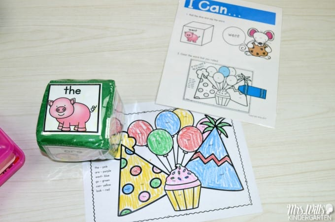 IIf you give a mouse... classroom activities! Laura Numeroff books are fun student favorites. Math centers and literacy centers your kindergarten class with be excited about. Patterns, addition, skip counting, time, word families, sight words, vowels, and MORE! Check it out!