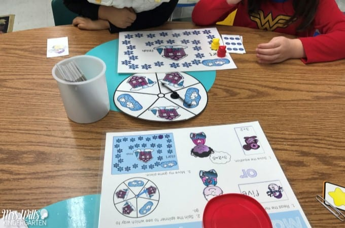 Winter Kindergarten Classroom Activities to use in January. These math and literacy activities and worksheets are sure to engage your children. Students will love these snow themed tasks! Free planning guide included!
