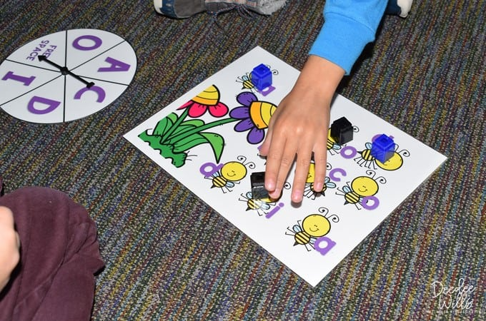Start Centers in Kindergarten with these Sanity-Saving Tips! 2