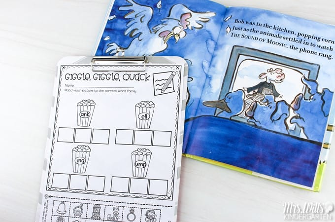 Listening center activities for kindergarten. Build independence and rigor with listening response sheets for your favorite Doreen Cronin (Click, Clack...) books.