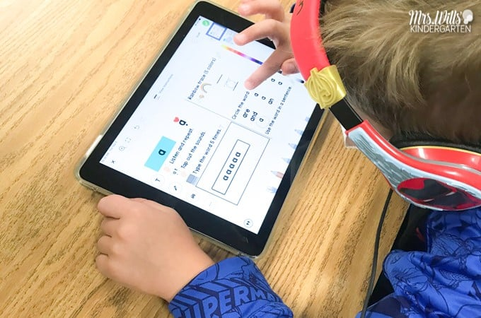 Digital sight word practice for kindergarten and 1st grade. 245 sight word activities preloaded to Seesaw and available in PowerPoint for Google Slides.