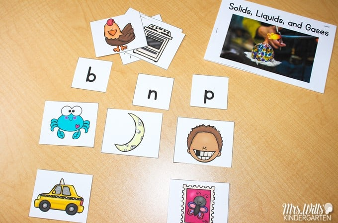 Digital and printable guided reading books with nonfiction topics. Lesson plans and activities for each book. Easily differentiate with 11 levels for each title!